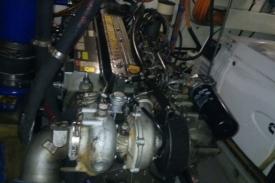 Reparación sistema hidráulico en Velero Nomam 4