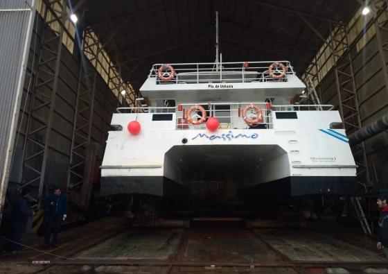 Tareas de conexión en Catamarán Massimo