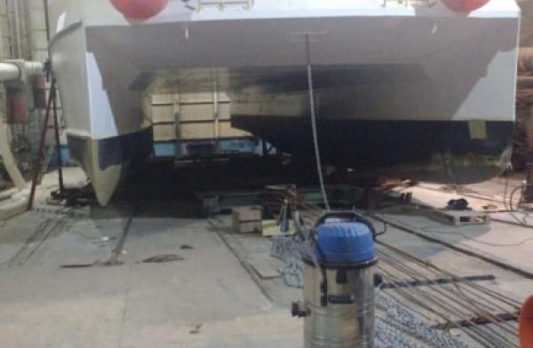 Reparación en Catamarán Elisabetta