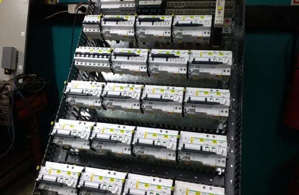 Tablero de distribución para sector Silos de Vinisa Fueguina S.R.L