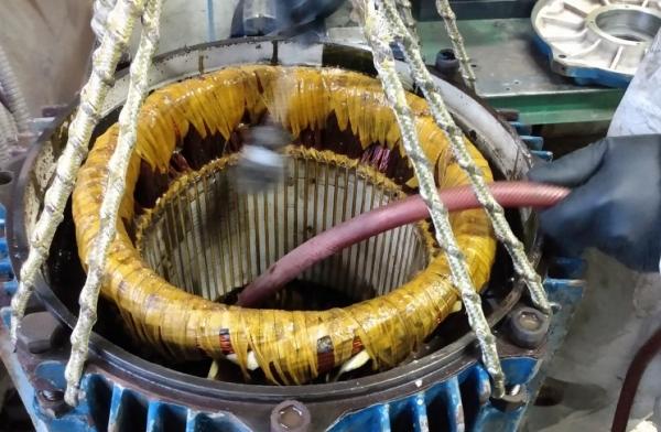 Mantenimiento de moto de Decanter - Buque de pesca Tai an